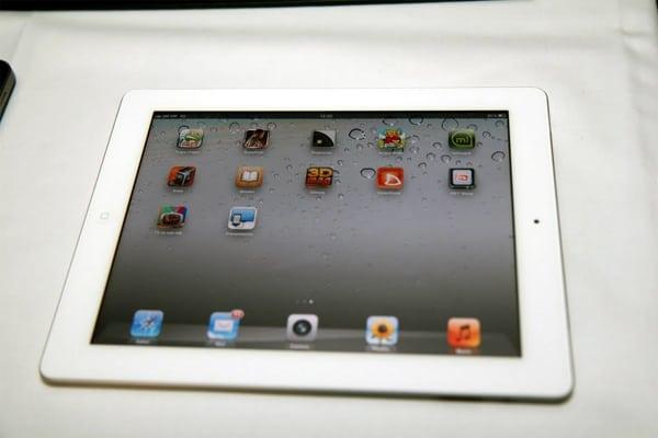 """Apple iPad 2: Jedini način za potpuno uživanje u digitalnom 3Dmag """"časoplikaciji"""""""