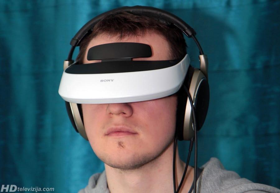 Sony_-HMZ-T2-headphones
