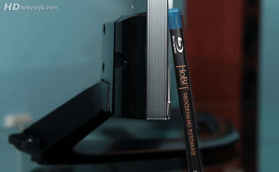 lg-42la690s-thickness