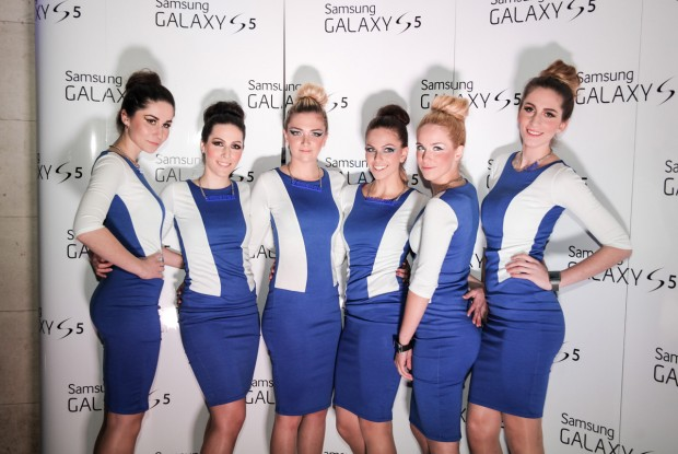 GALAXY-S5-hostese