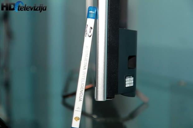 sony-w815b-thickness