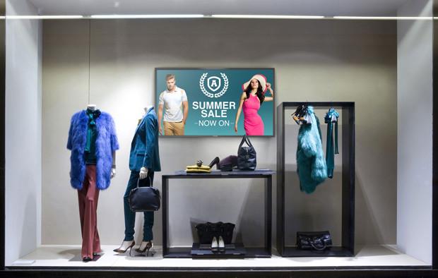 TD-Zseries_LifestyleImage_retail_screen