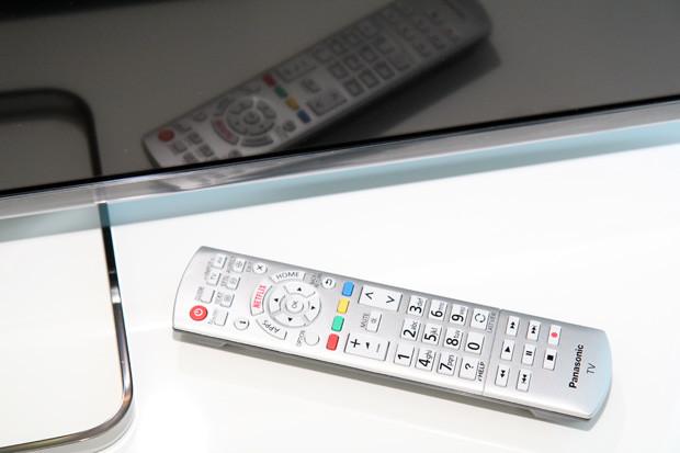panasonic-cx680e-remote