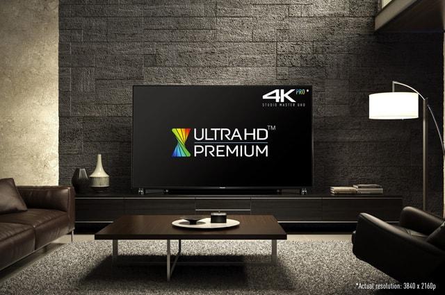 UHDP_65DX900_room