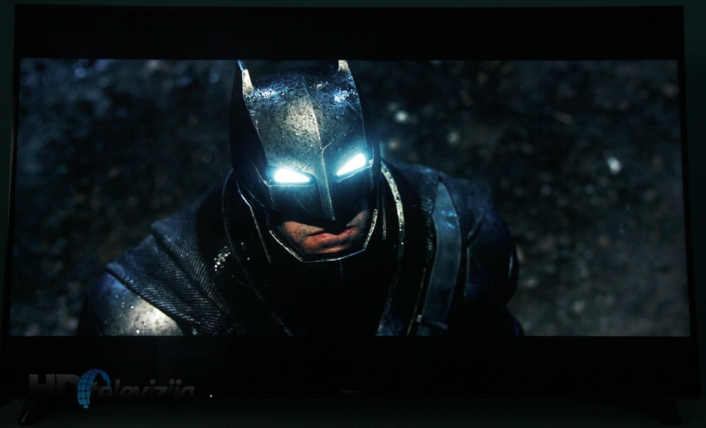 panasonic-dx900e-batman-v-superman-uhd