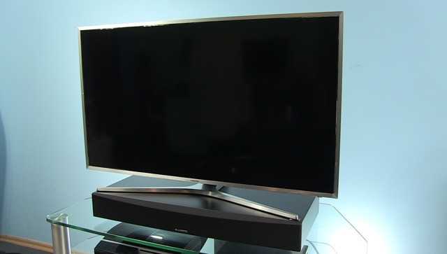 cambridge_audio_tv5_in_front_of_Samsung_40MU6402