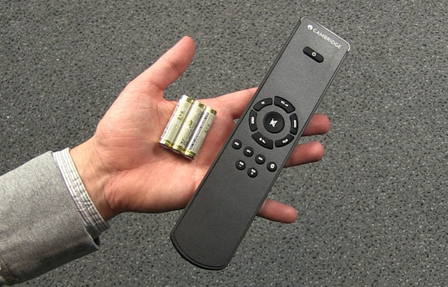 cambridge_audio_tv5_remote-batteries