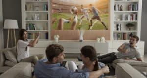 LG-ProBeam-Projector_HF85J_Livingroom
