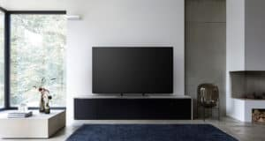 Panasonic_TV_EZ950_room