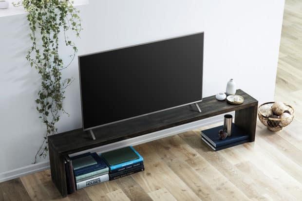 LED-TV-FX700-lifestyle