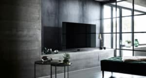 LED-TV-FX780E-lifestyle-2