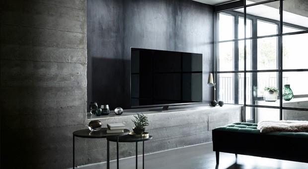 LED-TV-FX780E-lifestyle-2