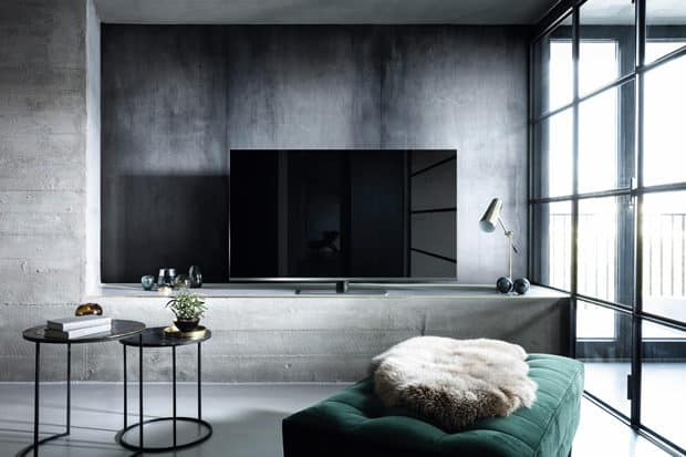 LED-TV-FX780E-lifestyle